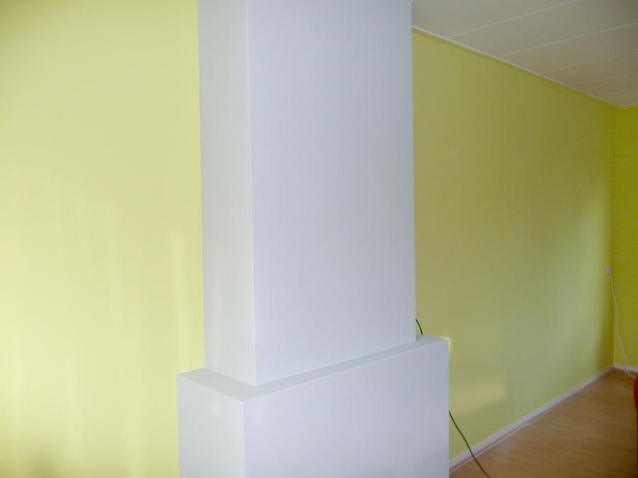 Wandafwerking woonkamer in verschillende kleuren